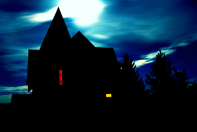 Tips For Surviving Haunted Houses and Scare Events