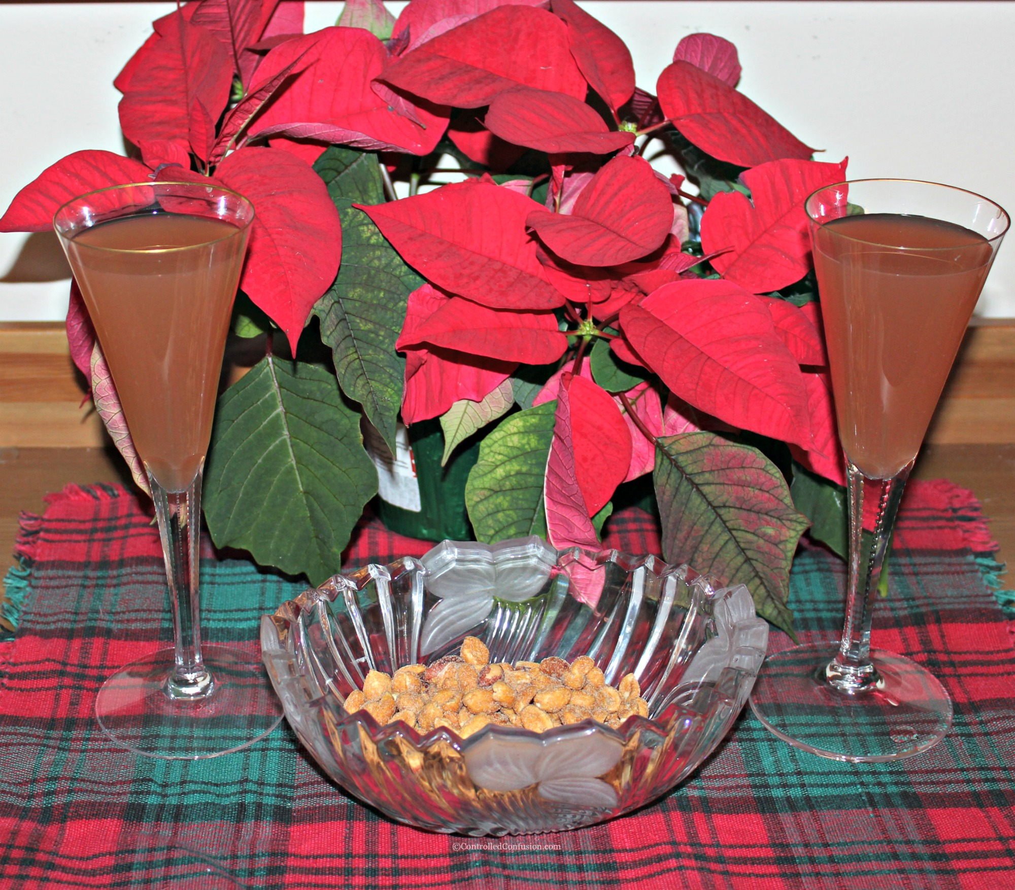 Make the Perfect Holiday Mocktails With Simply Beverages