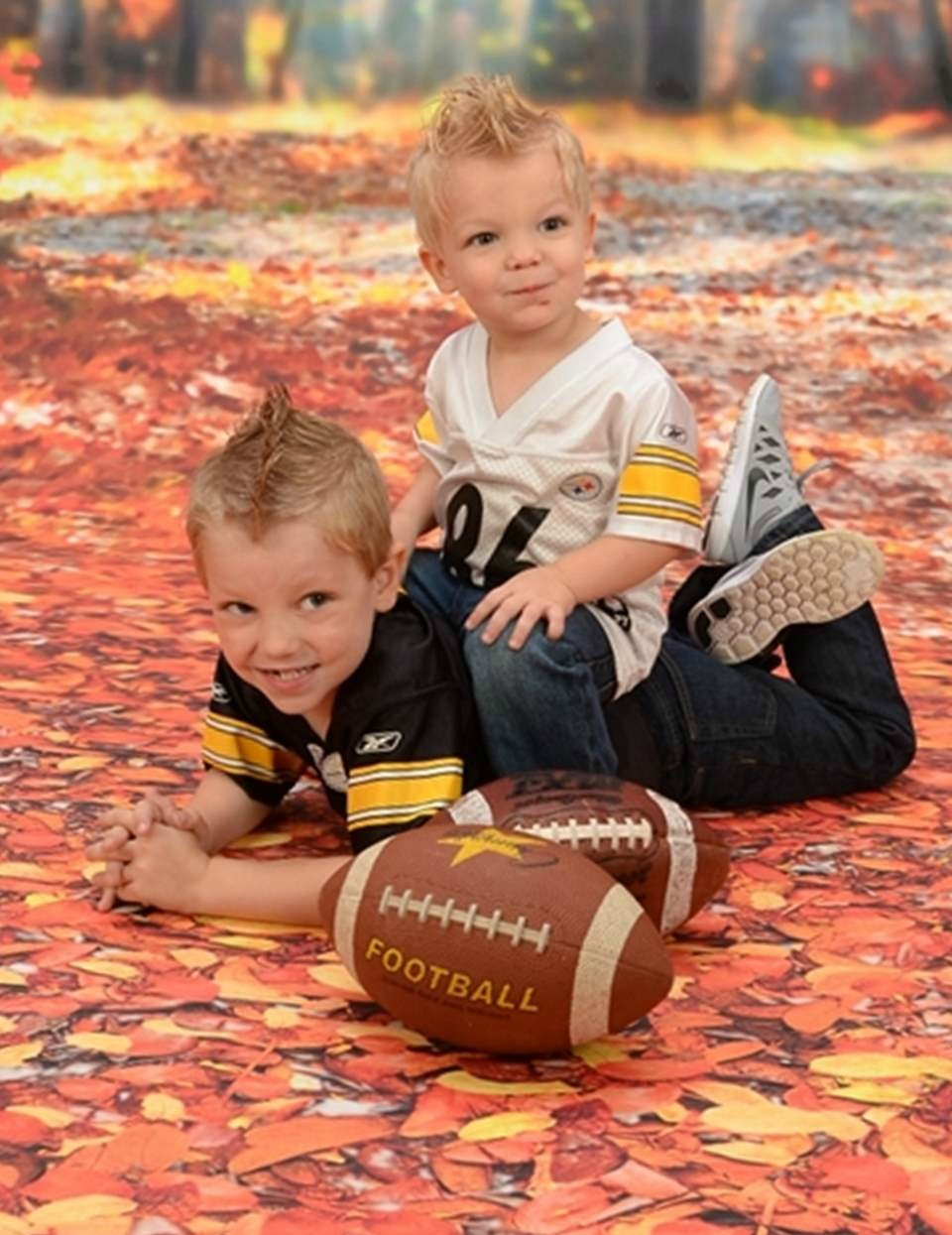 Fall Into Family Portraits With Portrait Innovations